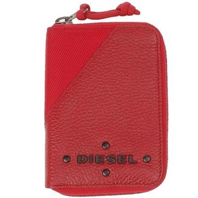 迪赛红色镶铆钉LOGO纹理牛皮钱包